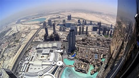 Crazy 4K Action Cam view over the edge from Burj Khalifa