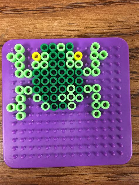 Frog done on small square board   Perler bead templates
